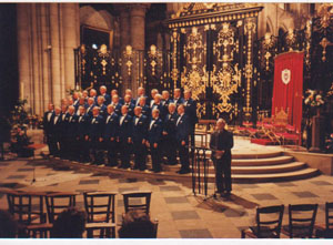 The Choir performing in Sens